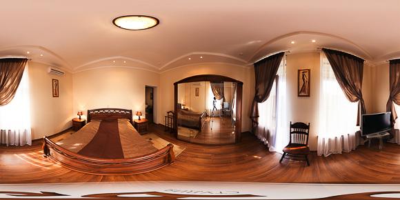 Панорама гостиничного номера, спальня