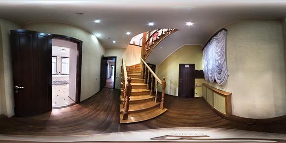 Панорама коридора гостевого дома Княжна Мери