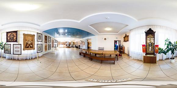 Панорама выставки Перунова в Малоярославце